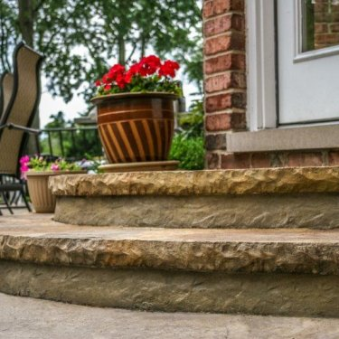 Cantilevered Cut Stone Step Liner 7 1/4″